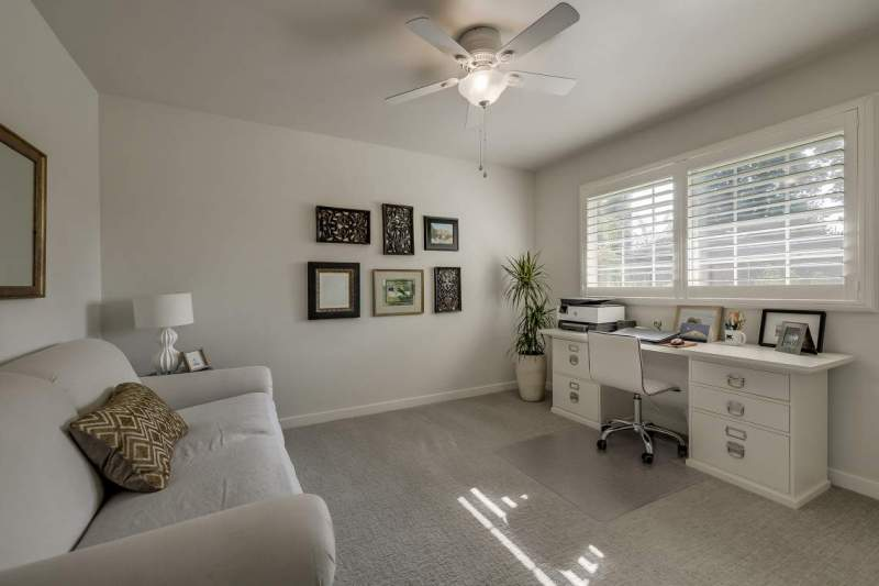 Bedroom-3-with-plantation-shutters
