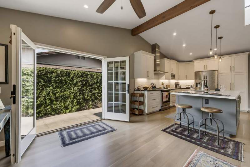 French-Doors-open-to-kitchen