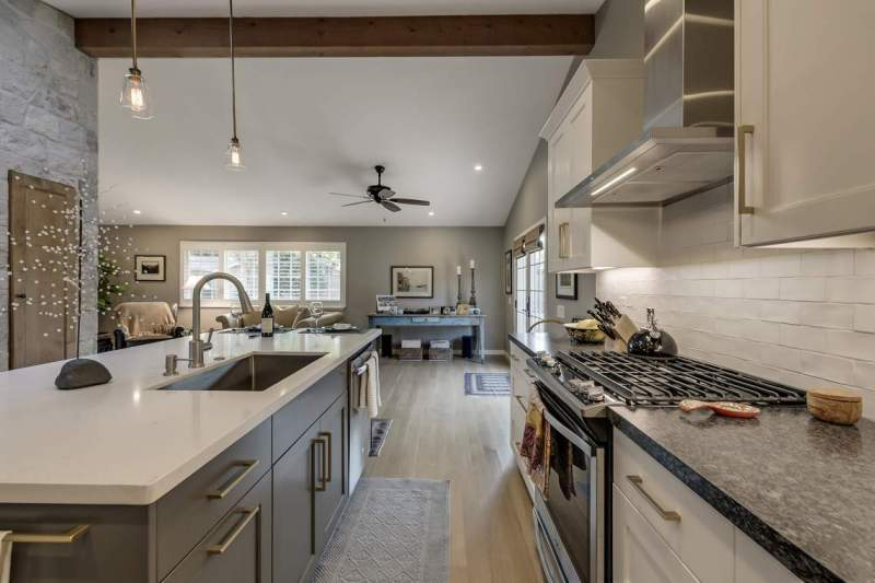 Kitchen-opens-to-the-rest-of-living-area