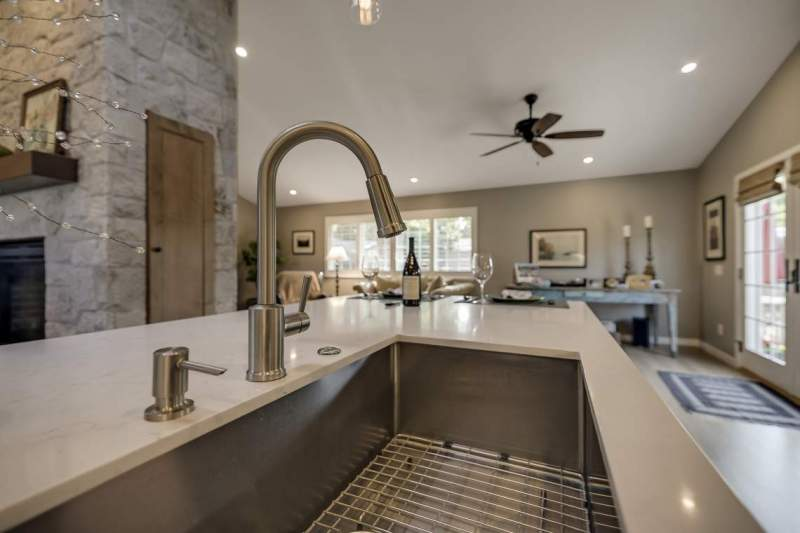 Large-Island-sink-mixed-metals
