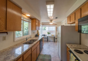 960 Karen Dr Chico CA 95926-large-008-8-Kitchen-1500x998-72dpi