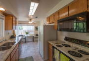 960 Karen Dr Chico CA 95926-large-009-6-Kitchen-1500x998-72dpi