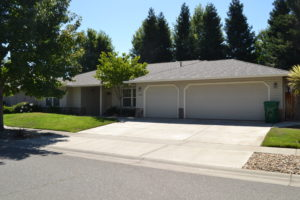 SOLD!   Spacious Home with Open Floor Plan!   225 Crater Lake Drive.   Chico, CA   $465,000